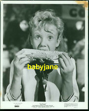 HAYLEY MILLS VINTAGE 8X10 PHOTO 1960 WALT DISNEY'S POLLYANNA EATING CORN ON COB