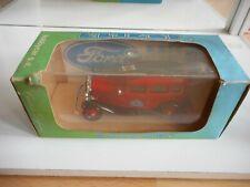 Eligor Ford V8 1932 Fordor Pompier Los Angeles in Red on 1:43 in Box