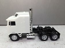 HO 1/87 Promotex # 15257 Kenworth K-100 Five Bar Grill Tandem Tractor
