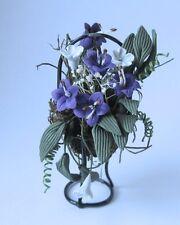 Blumenkorb Gesteck mit Ständer blaue Lilien Puppenhaus Dekoration Miniatur 1:12