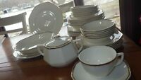 Vintage Homer Laughlin Dinnerware Set 1935 Yellowstone Cream Body Gold Trim 34pc