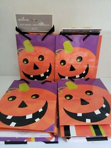 Hallmark Halloween Gift Bags.5 Count. Lot Of 4. Total Of 20 Bags. 6 Inches Tall.
