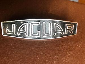 Classic JAGUAR HUB CAP BADGE FITS MARK 2, MK 10 & S-TYPE