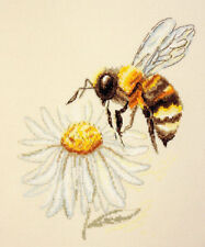 "Cross Stitch Kit MARYA ISKUSNITSA (MARY WEAVER) - ""A Bee"""