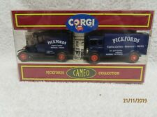 "CORGI CAMEO ""PICKFORDS COLLECTION "" in box  ""~*"