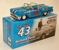 RC2 1/24 RICHARD PETTY #43 1957 OLDS CONVERTIBLE - THE KING'S 1ST RACE CAR