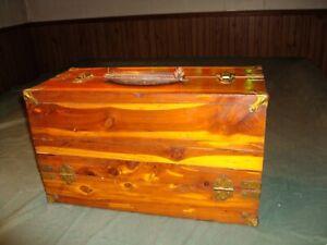 "VINTAGE CEDAR WOOD ""DICKSON CLAWSON"" TACKLE BOX KANSAS K1"