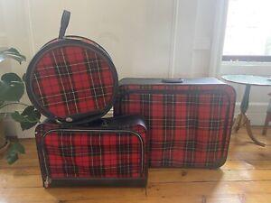 Vintage 1970s Red Plaid Luggage Suitcase Set
