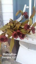 PRIMITIVE BURGUNDY FLOWER BUNCH