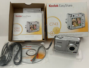 Kodak EasyShare C743 7.1MP Digital Camera - Silver Complete Tested Works In Box