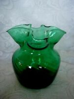 Vintage Collectible Emerald Green Hand Blown Art Glass Swirled Ruffle Vase