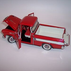 DANBURY MINT 1/24 1957 CHEVROLET CAMEO PICKUP TRUCK **RED BODY** MINT