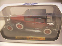 voiture d'exception 1/43 eme Atlas CADILLAC V-16 1931 Neuf Metal
