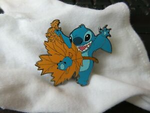 Disney Fantasy Stitch Autumn Fall Leaf Leaves Pin LE 100