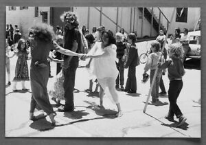 BROOKE ELGIE C1960'S HIPPIES & KIDS STREET PARTY CANNERY ROW 10X13 PHOTOGRAPH