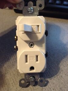 Leviton White TAMPER RESISTANT Toggle Light Switch Receptacle 15A Bulk T5225-W