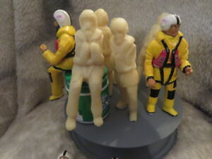 FIVE 1:12 SCALE LIFEBOAT CREW IN HELLY HANSEN ATTIRE FOR ALB RNLI LIFEBOATS