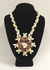 VINTAGE 1960s 70s MOD COWRY SHELL NECKLACE STARBURST SHELL PENDANT EXCELLENT