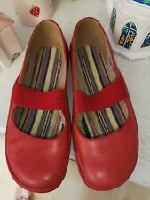Clarks ladies slip on shoes, size 5, flat, red need insoles worn once indoors