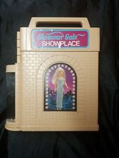 14 Glamour Gals Girls Dolls With Clothes & Showplace Case Kenner Vintage 1980s