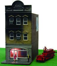 569 Decor batiment en flamme + camion pompier HO 1/87