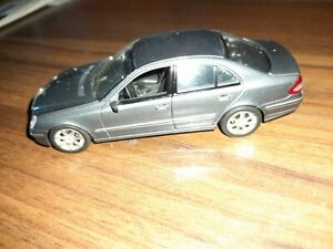 1:43 Minichamps Mercedes-Benz E-Klasse ohne OVP Top Zustand Gebraucht