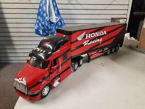 HONDA MOTORCYCLE SEMI New Ray 1/32 Kenworth Semi with Team Honda $42.00