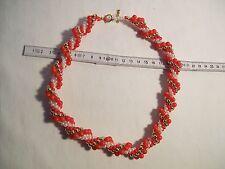Handgefertigte gehäkelte Perlenkette , Rot-weiß-gold, länge:ca. 50 cm,siehe Bild