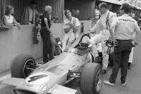 Photo Denny Hulme Drive Pitlane McLaren M7A Cosworth DFV 1969 F1 Grand Prix