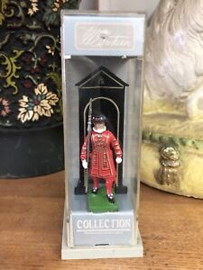 W. BRITIANS SCOTS GUARD TOY SOLIDER IN BOX HAND PAINTED DISPLAY CASE