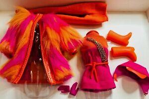 `Vintage Repro Wild Bunch Francie BARBIE MOD Fashion #1766 NO Camera UNBOXED