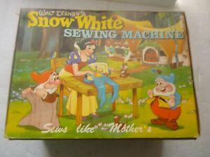 VINTAGE RARE! SNOW WHITE WALT DISNEY  SEWING MACHINE