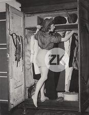 SUZANNE FLON Actrice Théatre Chapeau Short Cinéma IZIS Bidermanas Photo 1940s