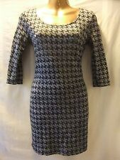LADIES NWT 'Forever 21' - 12 BLACK/GREY/SILVER DOG TOOTH BODYCON/SLEEVED FROCK