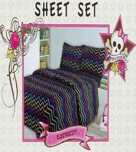 PINK COOKIE ZIG ZAG ELECTRICITY BLACK 4PC QUEEN SHEETS  BEDDING SET NEW