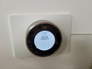 NEST THERMOSTAT ALL PARTS INCLUDED FULLY WORKING
