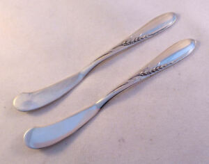 SILVER WHEAT-REED & BARTON SET OF 2 STERLING FLAT BUTTER SPREADERS