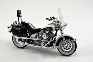 Maisto 1/18 Harley-Davidson 1993 FLSTN Heritage Softail +COA