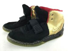 Nike Air Yeezy 508214-006 Size 10 Black Red and Gold
