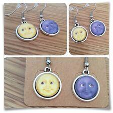 Emoji Cara De Luna Grin ojos Sonrisa Amarillo y Gris Mini pendientes
