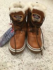new with tags pajar canada  womens short boots  waterproof size 7
