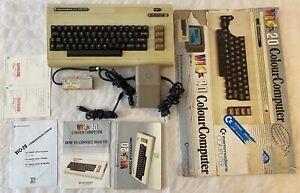 Commodore VIC 20 VIC-20 (SECAM video) ordinateur retro vintage 100% fonctionnel
