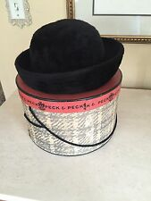 VINTAGE WOMENS HAT PECK & PECK ORIGINAL HAT BOX BLACK SMALL