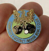 Vintage Metal Enamel TAMWORTH & DISTRICT Bowling Club Association Pin Badge