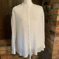 Maggie Barnes Top 16W White Pleated Long Sleeve Polyester Button Up Blouse