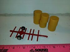 1/64 red Standi Toys 6 round bale mover cart w straw bales Ertl Farm Toy display