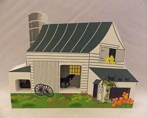 Shelia's Collectibles -Amish Barn - Amish Series - # AMS04 II