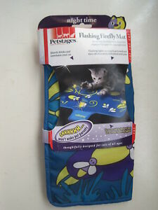 NEW Flashing Firefly Mat Night Time Cat Toy Petstages Quietly Blinks 389