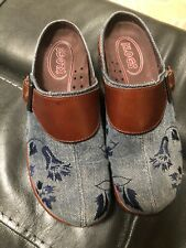 Klogs Women's Mules  Brown Leather With Denim Embroidered Flowers  Size 8 M