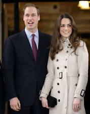 Catherine, Duchess of Cambridge & Prince William UNSIGNED photo - H5979